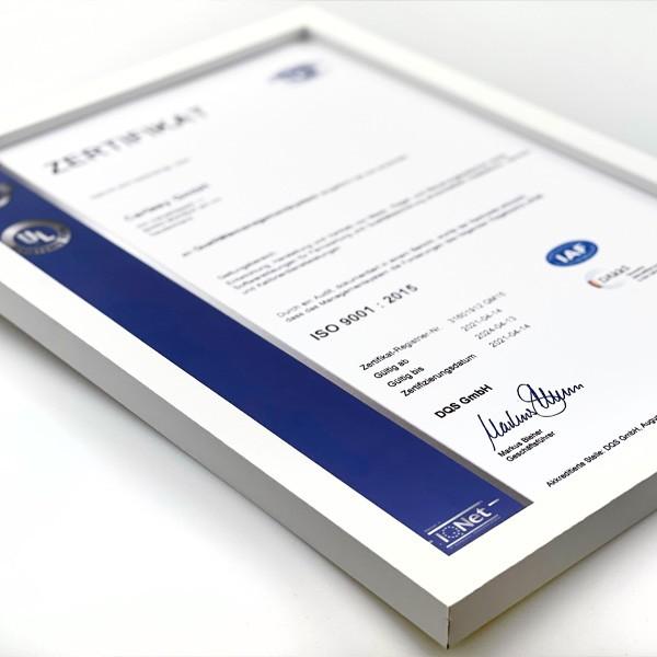 Zertifikat in Bilderrahmen
